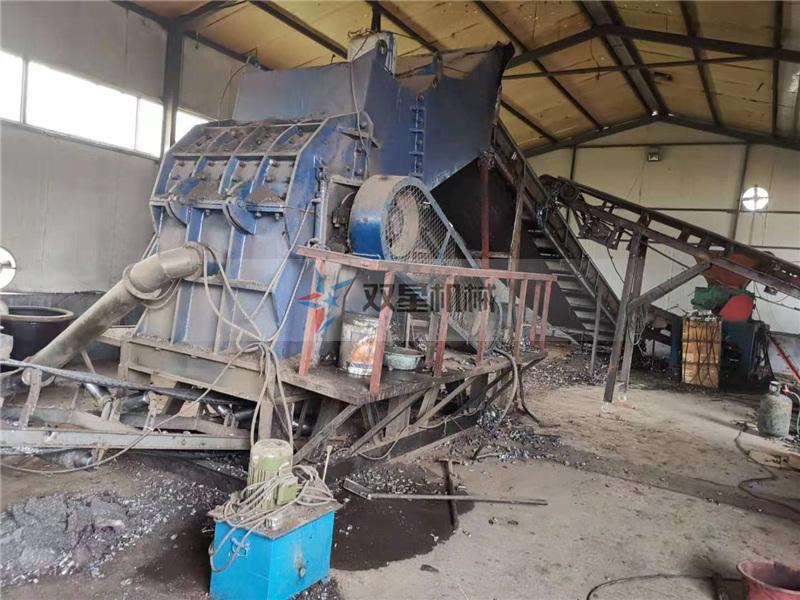金属破碎机生产线油桶破碎山东现场