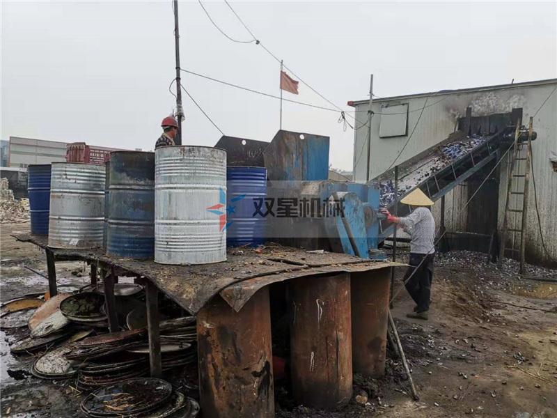 油桶破碎机生产线现场