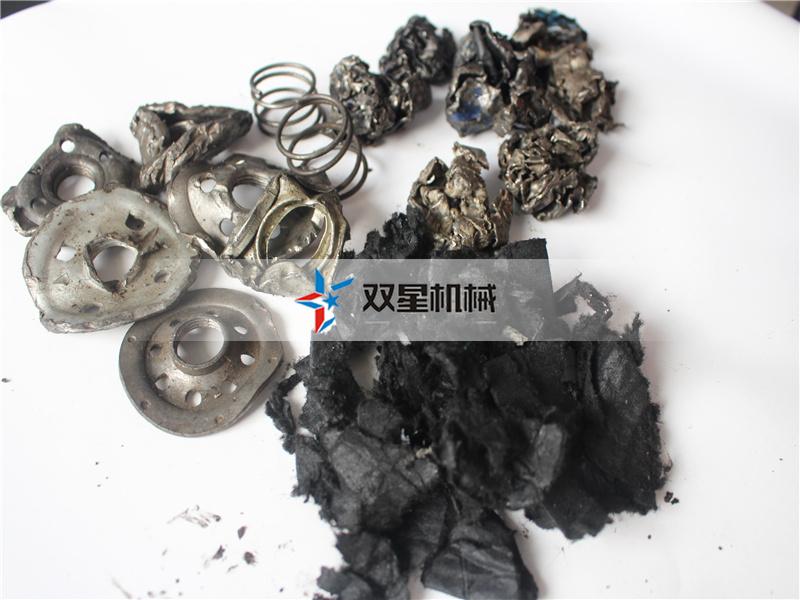 机油滤芯破碎机设备生产现场