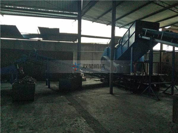 金属破碎机设备1800型现场安装完毕