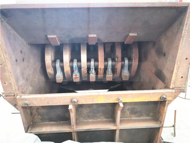 断桥铝破碎机及配件生产现场实拍