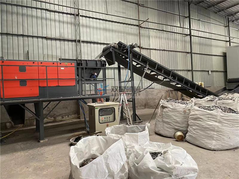 断桥铝粉碎机-涡电流分选机设备作业现场图